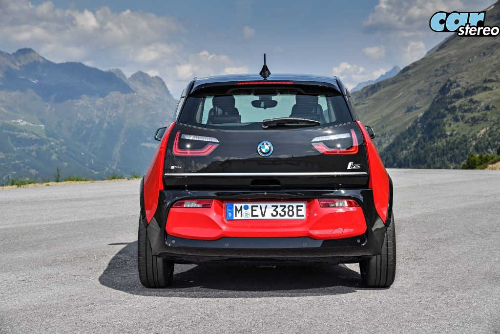 P90273520_highRes_the-new-bmw-i3s-08-2-1